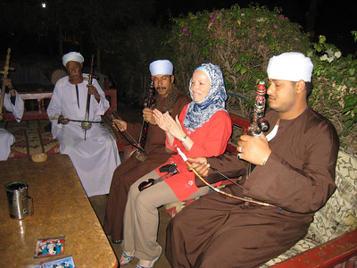 With the musicians at Kom Ombo (very Metkal Kanawi).