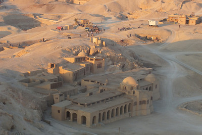 The Polish National Academy of Sciences is responsible for the study and restoration of the three levels of the Temple of Hatshepsut.