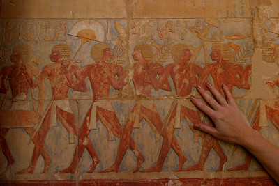 The paintings on the walls at Hatshepsut.