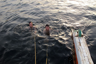 Afternoon bath in the Nile. Being pulled by the Felucca is fun :)