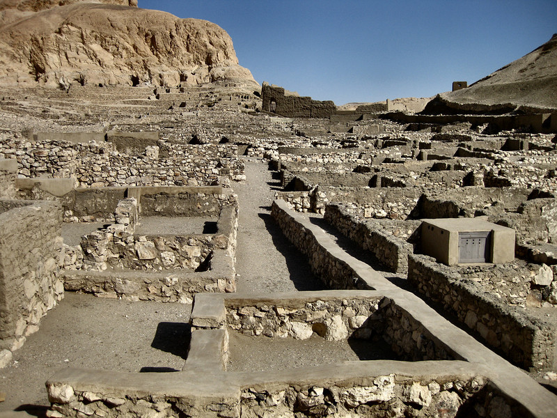 Deir el-Madinah, village which was home to the builders of the tombs of the Valley of the Kings.
