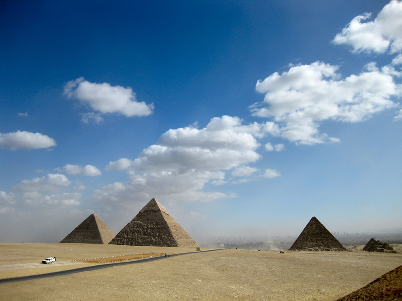From left to right - Great Pyramid (or Pyramid of Cheops), Pyramid of Khafre and Pyramid of Menkaure, Giza.
