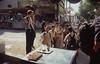 008  Caïro - Schoolkinderen staan bij bellende Sjoerd