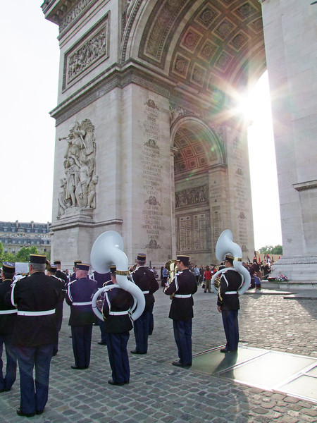 French military band at ceremony for French unknown soldier