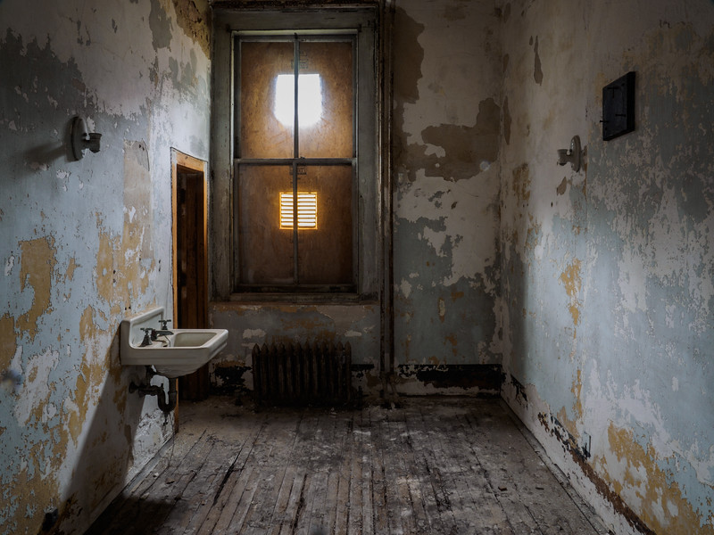 A typical patients' room.  The rooms used for TB patients have 2 sinks--one is for spitting only, and its contents were then sent to the incerator to help prevent the spread of the dreaded disease.