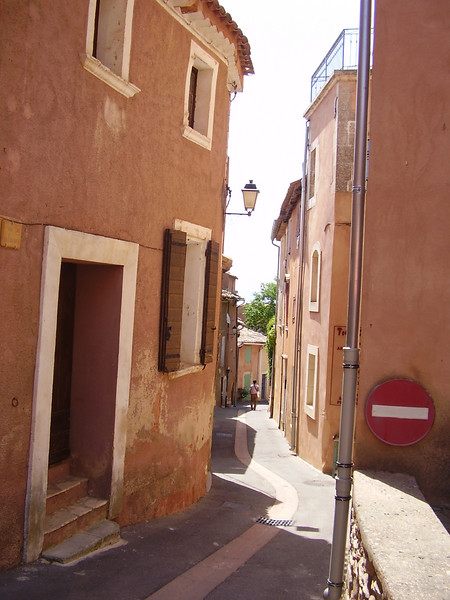 A street in Roussillon.