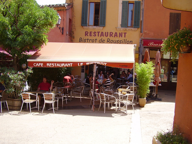 Another view of the bistro in Roussillon.