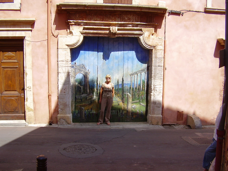 A wonderful painted door in Roussillon.