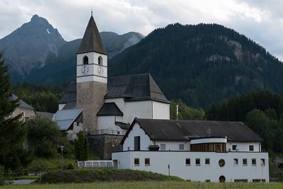 Die Kirche von Tarasp-Fontana