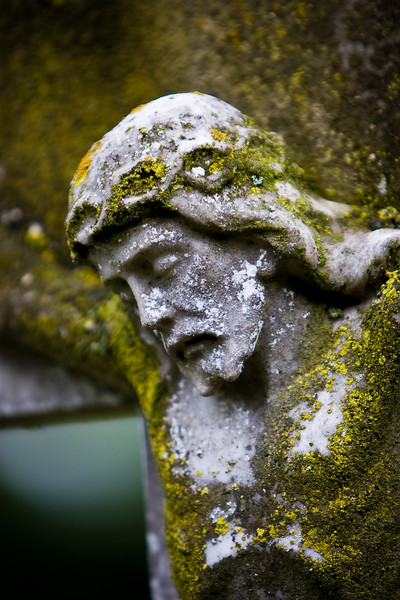 Detail of monument at Wolvercote Cemetery