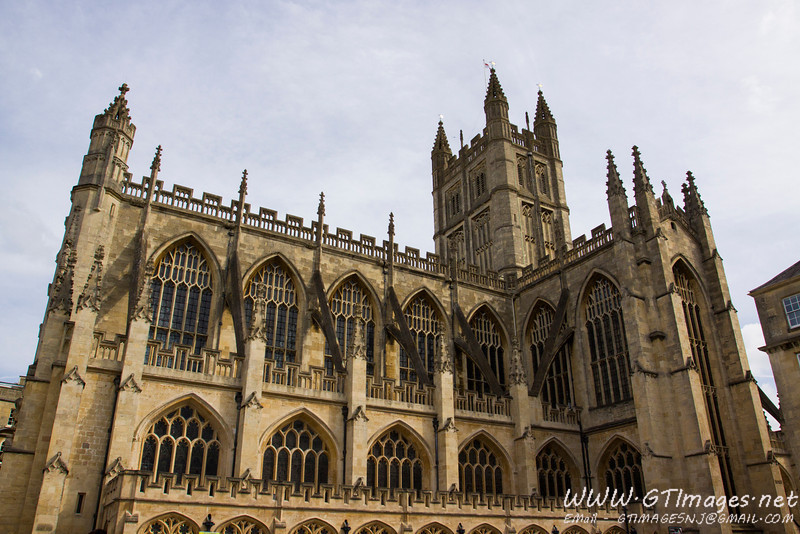 Bath Cathedral. We did not have time to go in.....