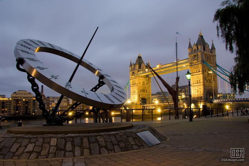 Sundial near Tower Bridge