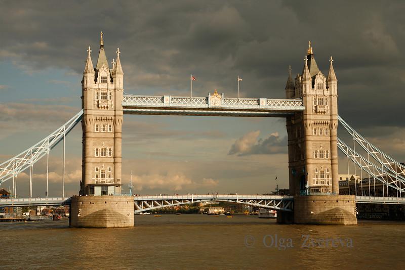 <p>Tower Bridge, London, England, United Kingdom</p>
