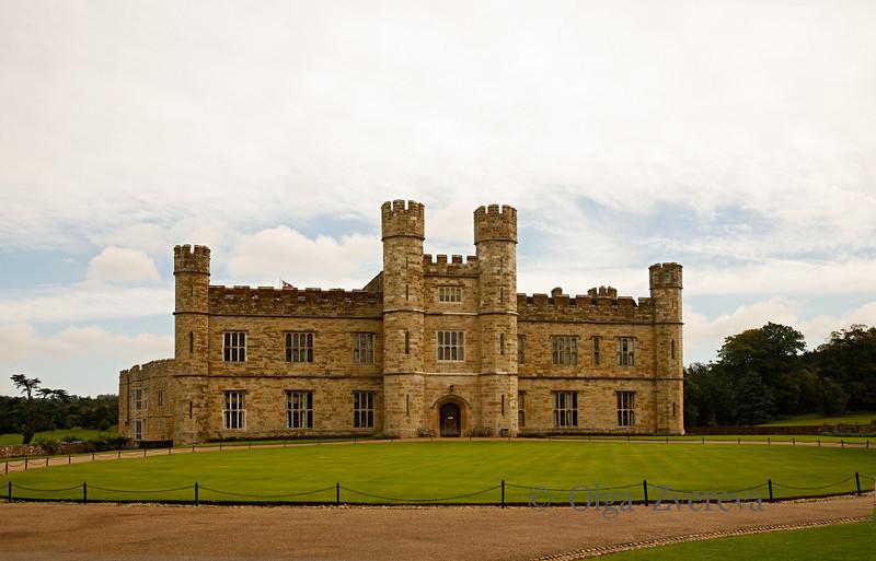 <p>Leeds Castle, England, United Kingdom</p>