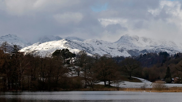 Pike o' Blisco (far left), Crinkle Crags & Bowfell (right), looking west north west from the northern end of Windermere, 23 January 2009