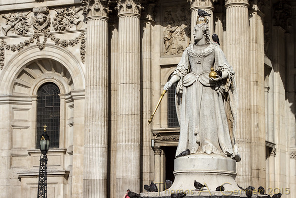 Queen Anne, looking away from St. Paul's