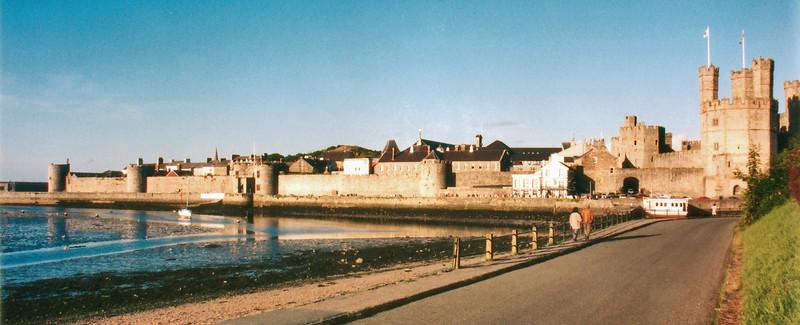 Remparts Caernafon Wales - Jul 1996