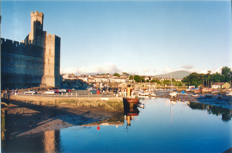 The port entrance Caernafon Wales - Jul 1996