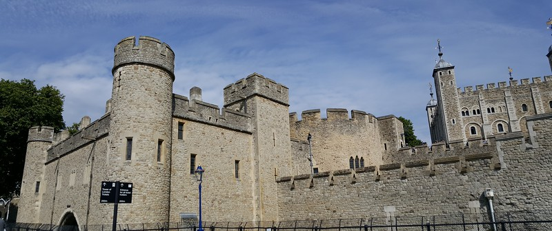 Tower of London panorama from outside