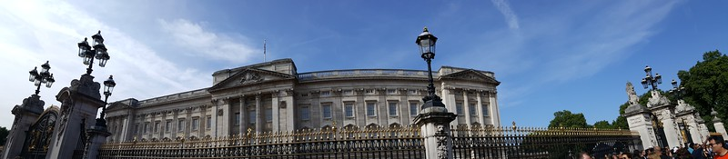 Buckingham Palace pano