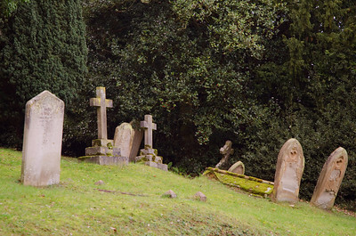 Assorted tombstones in Aspley Guise