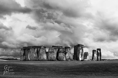 Stonehenge and Raven