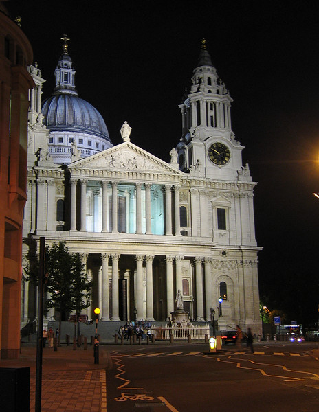 St. Paul's Cathedral at Night. London, England.