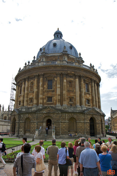 Radcliffe Camera is a building of Oxford University, built in 1737–1749 to house the Radcliffe Science Library. <br /> IMG_3993