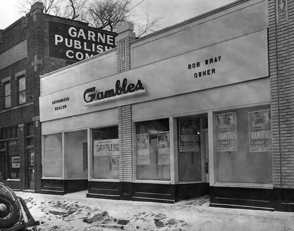 609-11 Euclid Avenue DSM - 1947