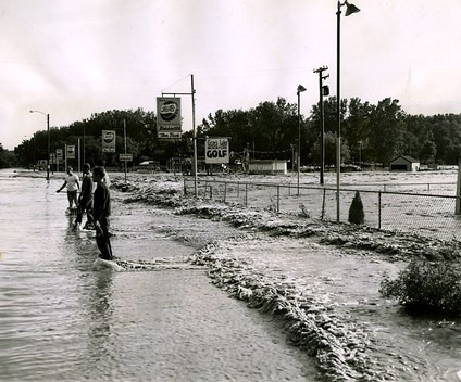 Gray's Lake floods Kiddy Land.<br /> Fleur Drive