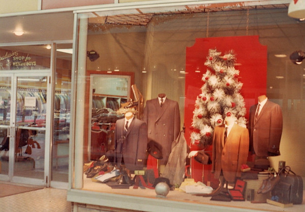 Frankel's Park Fair<br /> Holiday Window 1967