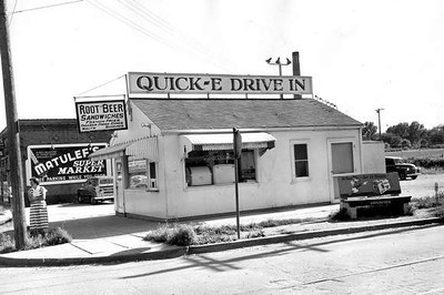 Quick-E Drive In<br /> 42nd Street - Roosevelt Shopping District