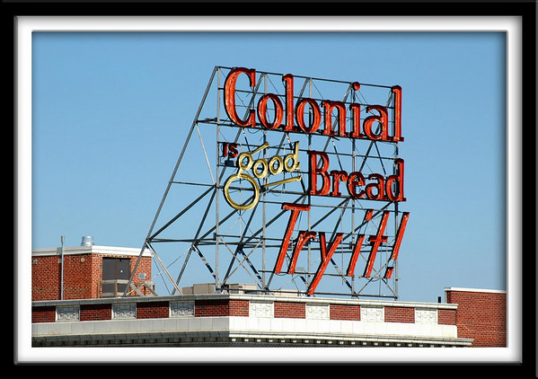 Colonial Bread Sign<br /> Building currently DM Public Schools Commissary