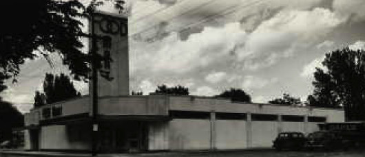 Dahl's Grocery 1948<br /> Beaver Avenue @ Franklin<br /> Dahl's first store.