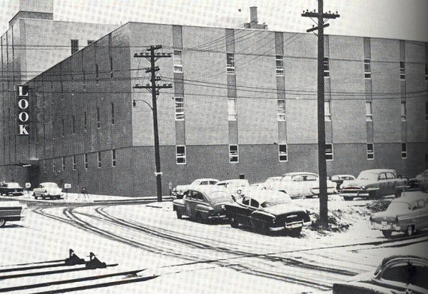 Look Magazine Building c1955<br /> 10th & Mulberry<br /> Currently Condos