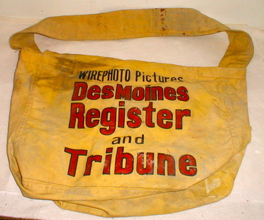DM Register & Tribune<br /> Carriers Bag