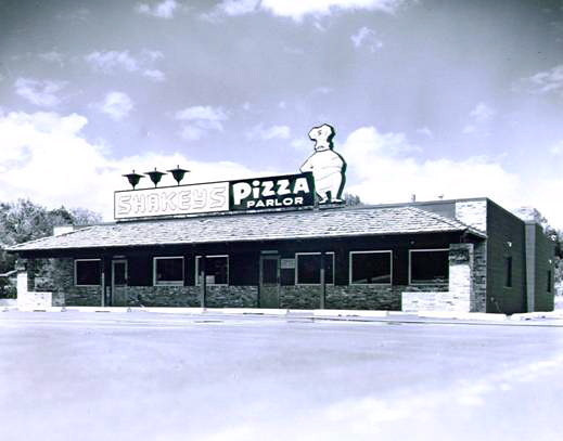 Shakey's Pizza<br /> 72nd & Hickman