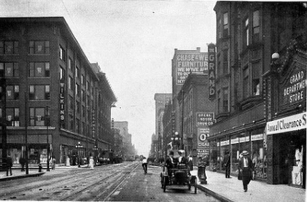 Walnut looking east.<br /> Grand Dept Store on the right.