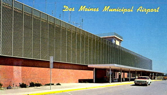 DM Municipal Airport c1960