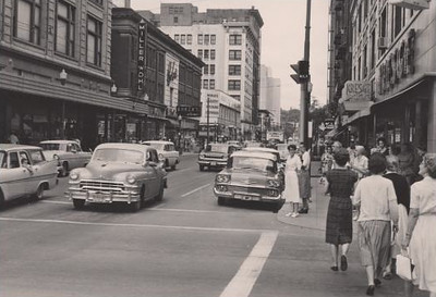 Looking North at 7th & Walnut c1958