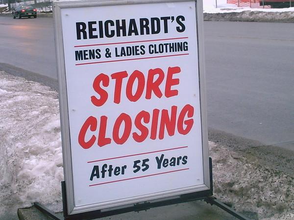 Reichardt's Closing SIgn