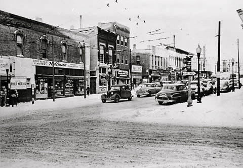 East Des Moines Business District<br /> East 5th & Grand c1950