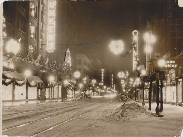 Walnut Street at Christmas