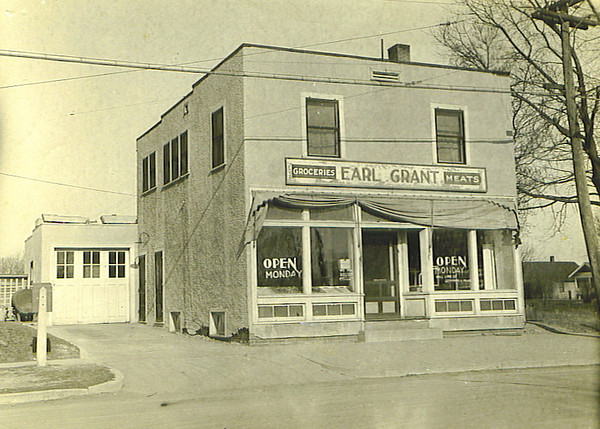 Earl Grant Grocery<br /> 1320 East 25th
