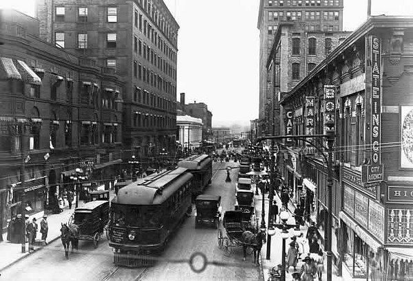 Downtown DM 6th Avenue 1910
