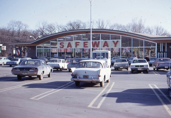 Safeway Super Market @ Uptown Shopping Center 42nd & University c1977