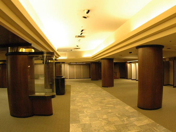 Younkers 1st Floor West   2005