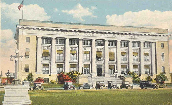 Des Moines Police Station<br /> Court Avenue