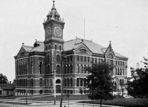 Des Moines West High School<br /> Later became DM Tech High School<br /> and moved to Grand Avenue location.