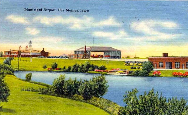 DM Municipal Airport c1950